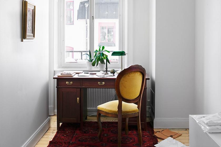 Desk Fantastic-Frank
