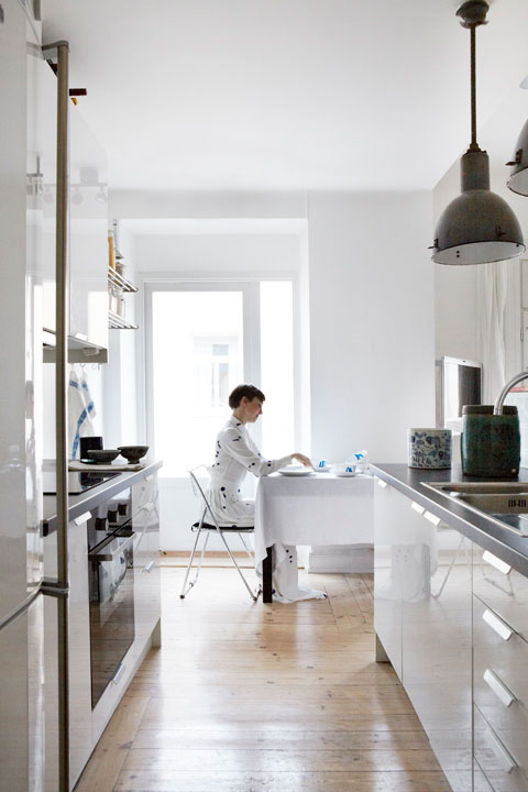 MES DAMES i köket på Birger Jarlsgatan Fantastic Frank Fastighetsmäkleri