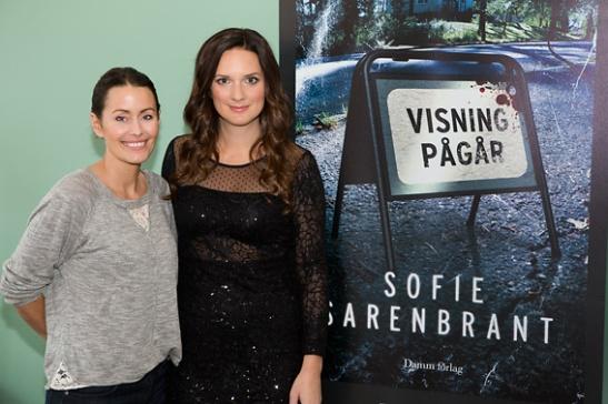 Jessica och Sofie - Sofie Sarenbrant releasefest hos Fantastic Frank