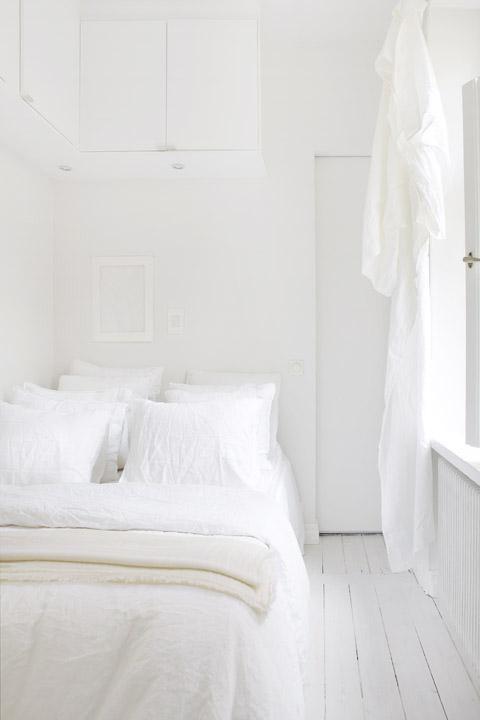 white bed stockholm
