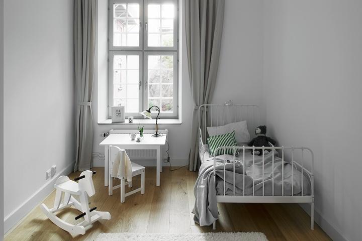 Sovrum med barnsäng