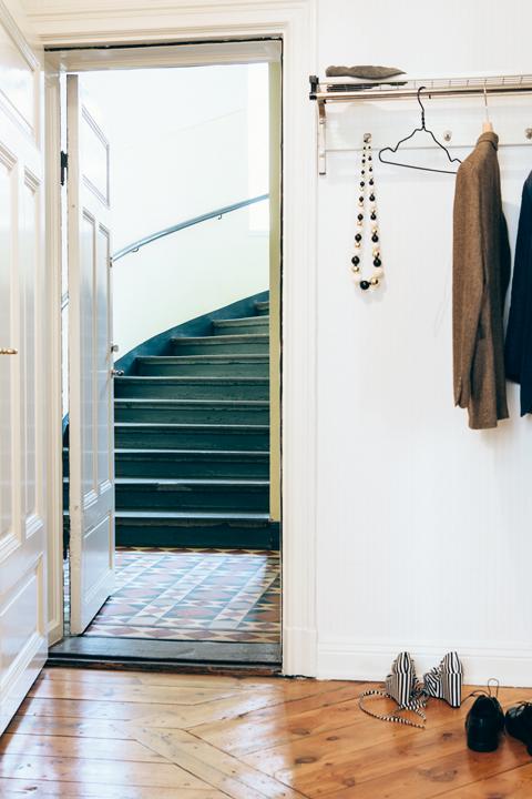 trappuppgång klädhängare