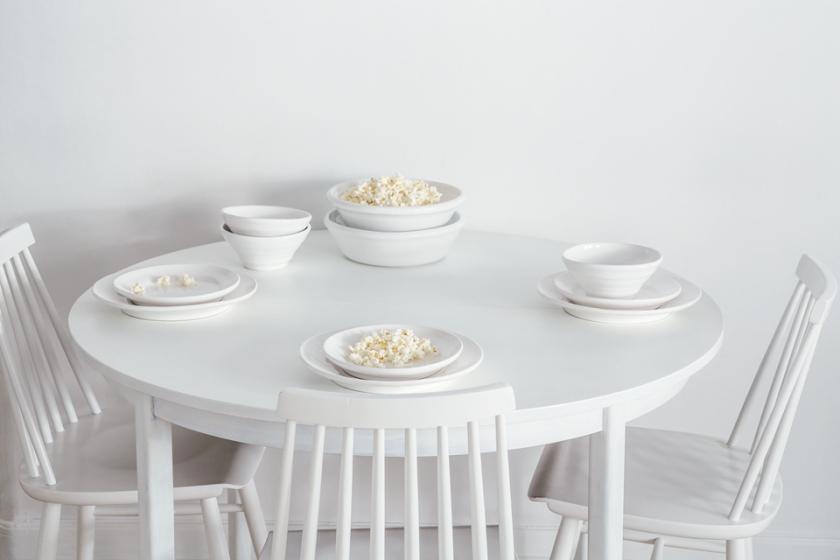 popcorn vitt matbord