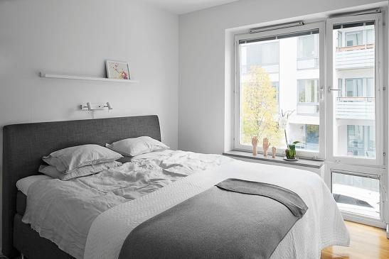 Sovrum pläd fönster