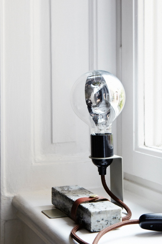 Lampa fönsterbräda