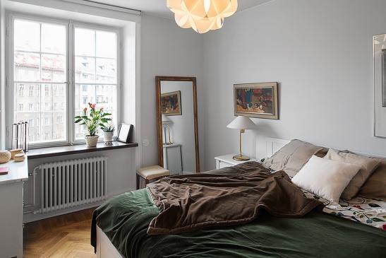 Säng sovrum lampa