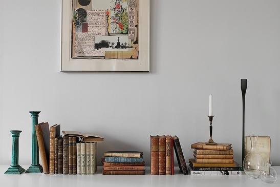 Böcker sideboard konst