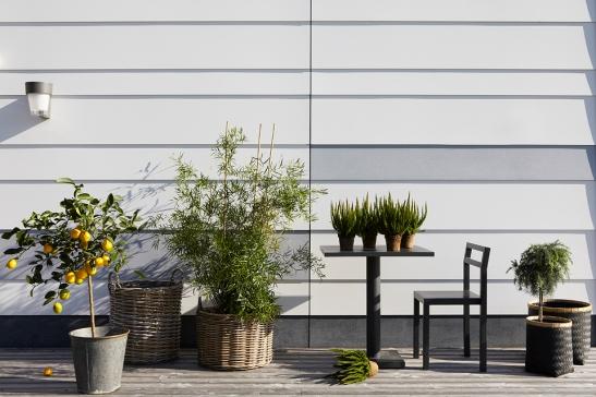 Terrass trä växter balkongmöbler Fiskarhedenvillan
