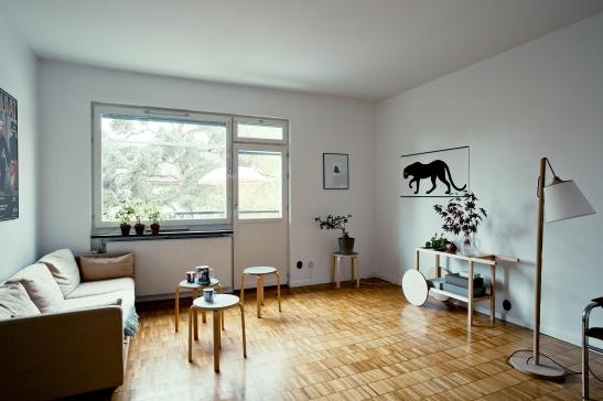 Vardagsrum  soffa konst fönster