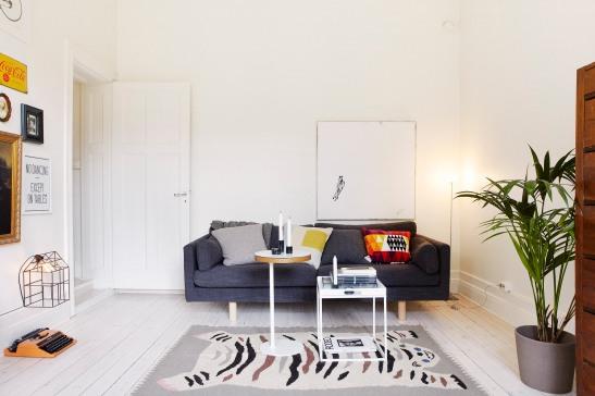 Vardagsrum soffa matta soffbord