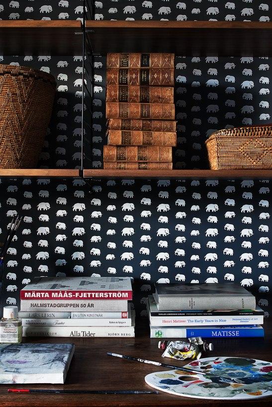Tapet svenskt tenn elefant böcker