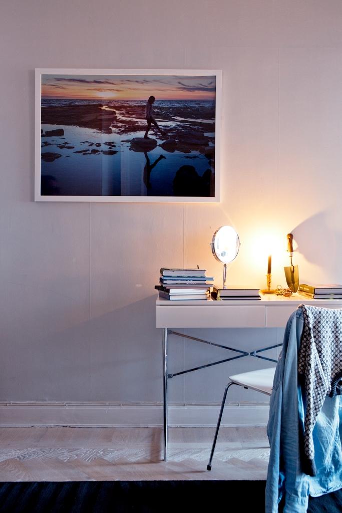 Skrivbord spegel fotografi skrivbordslampa