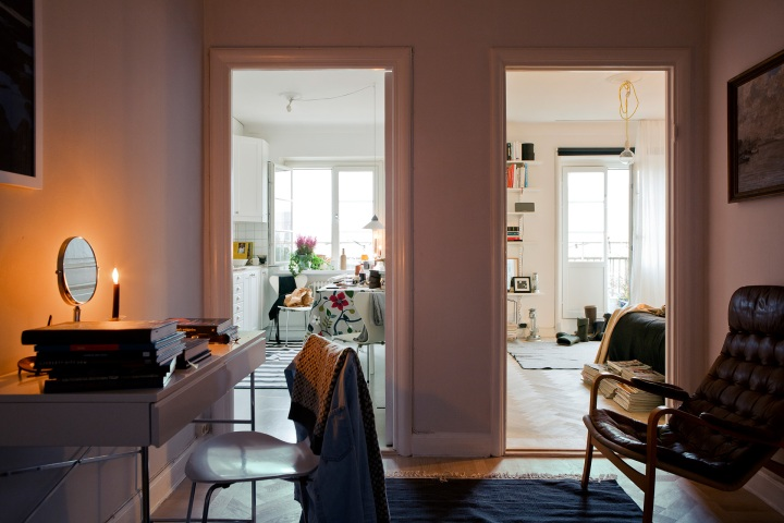 Hall skrivbord stol fönster balkongdörr