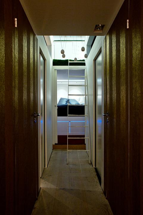husbåt hall sovrum stege våningssäng