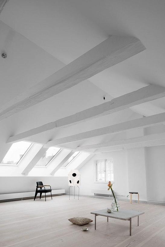 fönster vindsvåning stolar