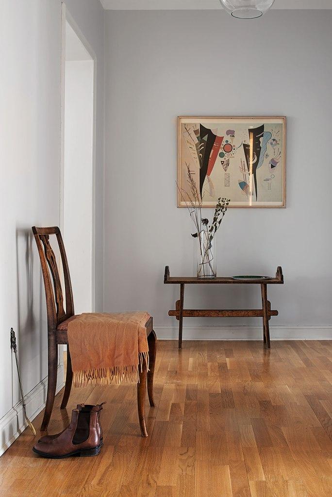Hall stol konst sideboard