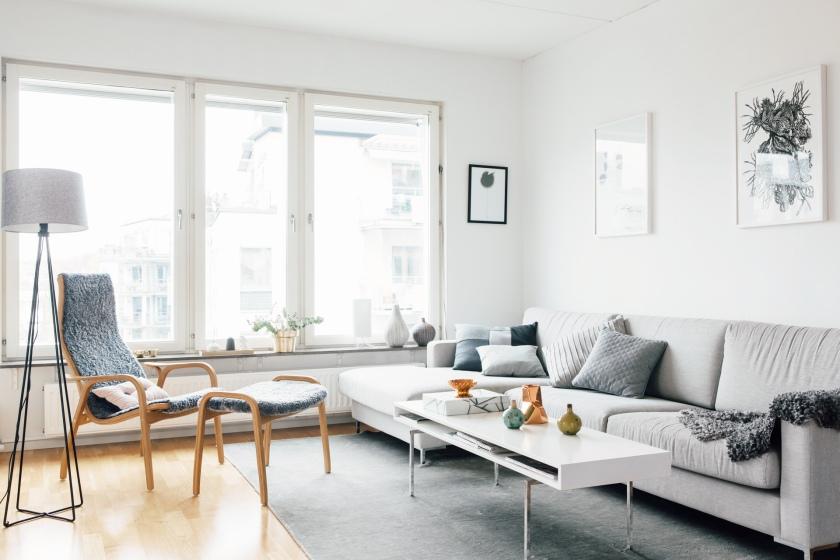 Vardagsrum soffmöbler fönster
