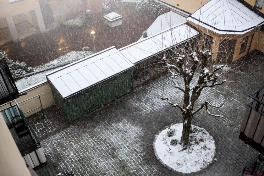 innergård snö stockholm