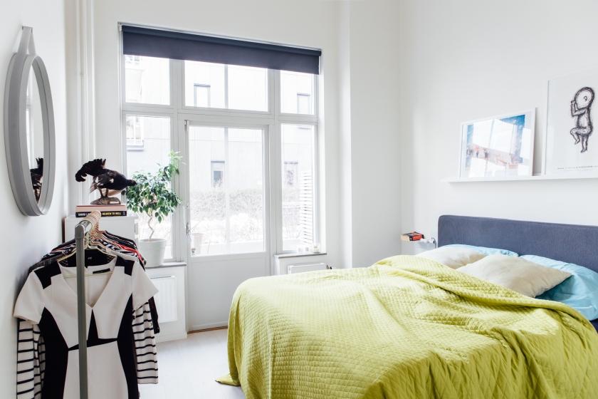 Sovrum överkast fönster