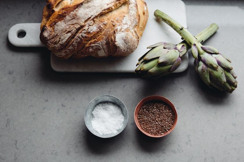 bröd kronärtskocka kök salt peppar
