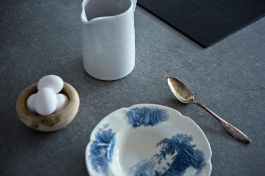 Porslin ägg kök köksbord