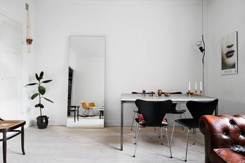 Matbord spegel design stolar