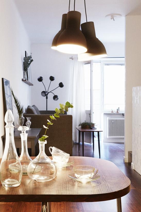 kök lampor flaskor köksbord