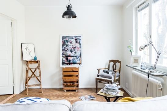 atelier vardasgrum konst stege lampa soffa fåtölj
