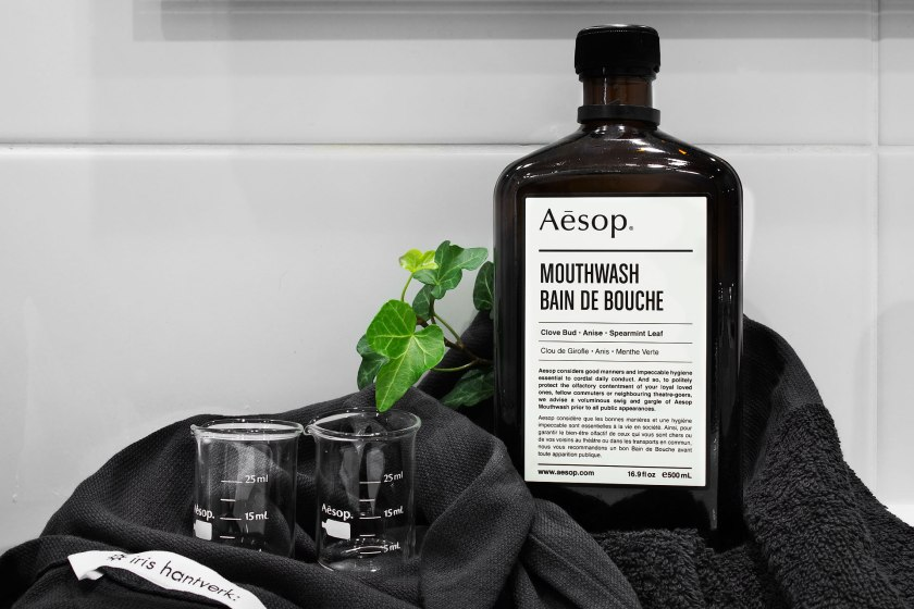 badrum aesop flaska glas