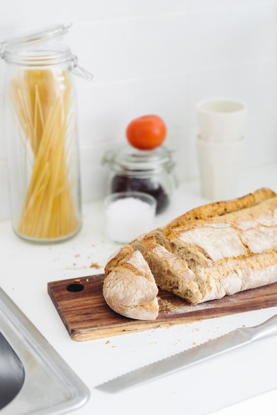 Bröd pasta kök köksbord