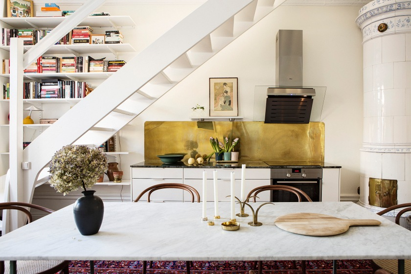 Kök köksbord marmor thonet trappa takvåning bokhylla
