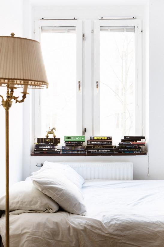 lampa säng sovrum fönster vintage