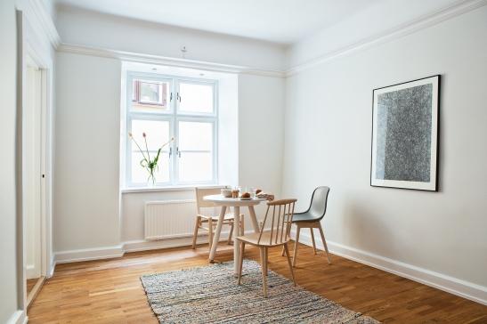 matsal bord Ready-Made Stolar Matta Gulled konst Arrivals Erik Rosman