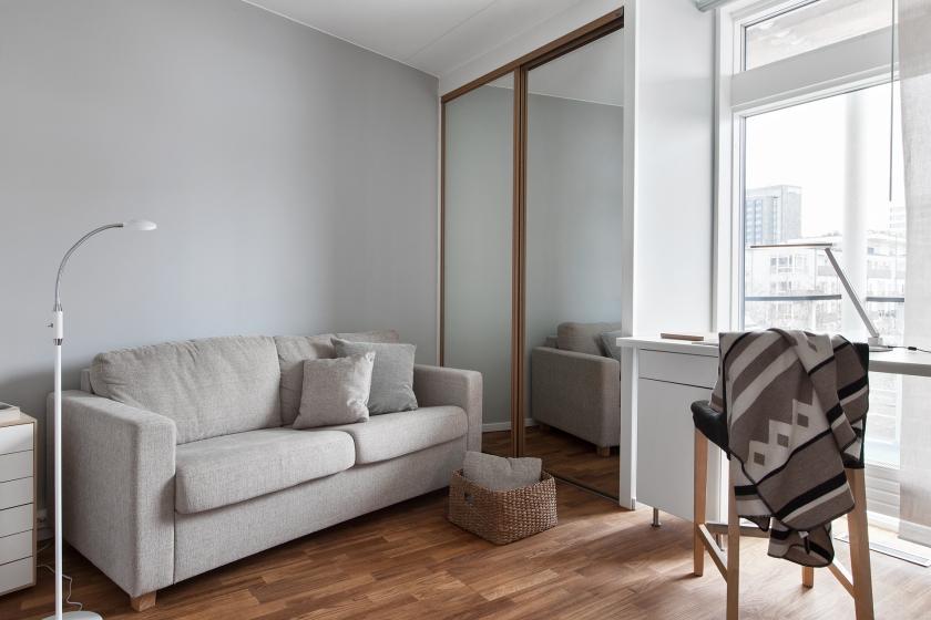 Soffa filt lampa sovrum garderob fönster