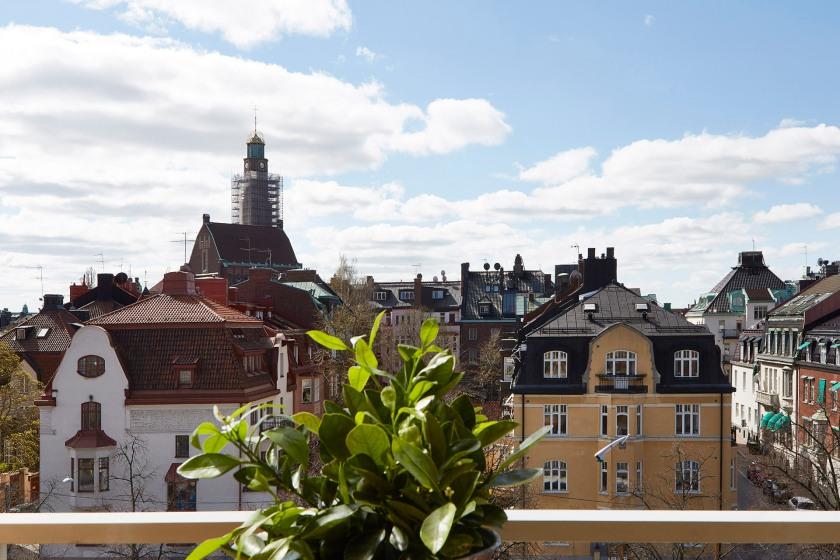 Östermalm balkong utsikt takåsar sydväst