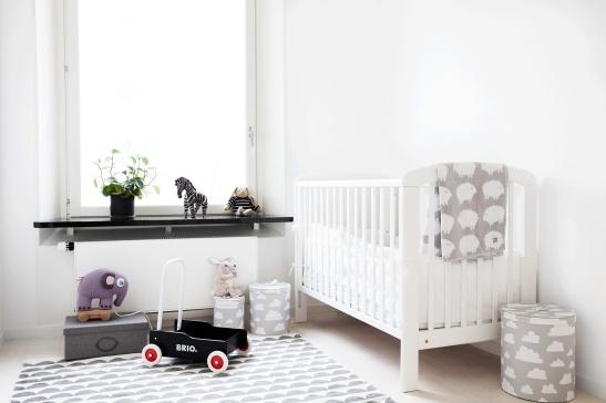 Hammarby sjöstad sovrum barnrum barn brio lek spjälsäng
