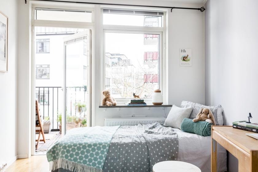 Norrort sovrum säng nalle