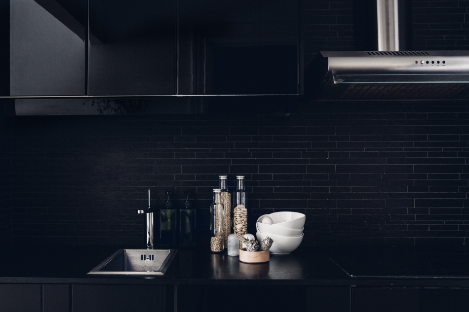 vasastan-kök-svart-marmor