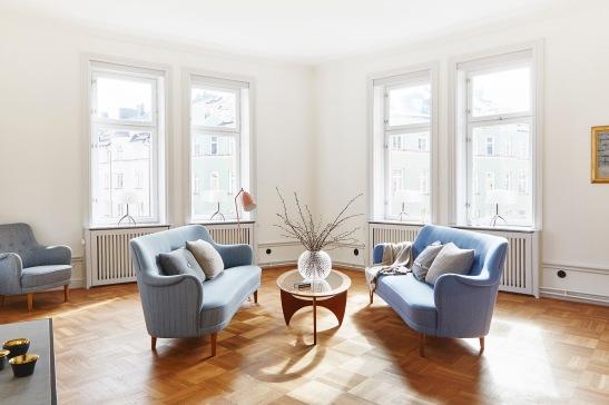 vasastan-vardagsrum-ljus-designad-interiör
