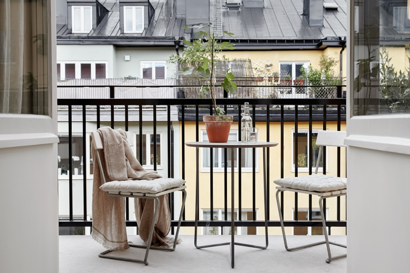 bondegatan stockholm balcony nature colours city pillows artek dahl agenturer beige blanket outdoors fantastic frank