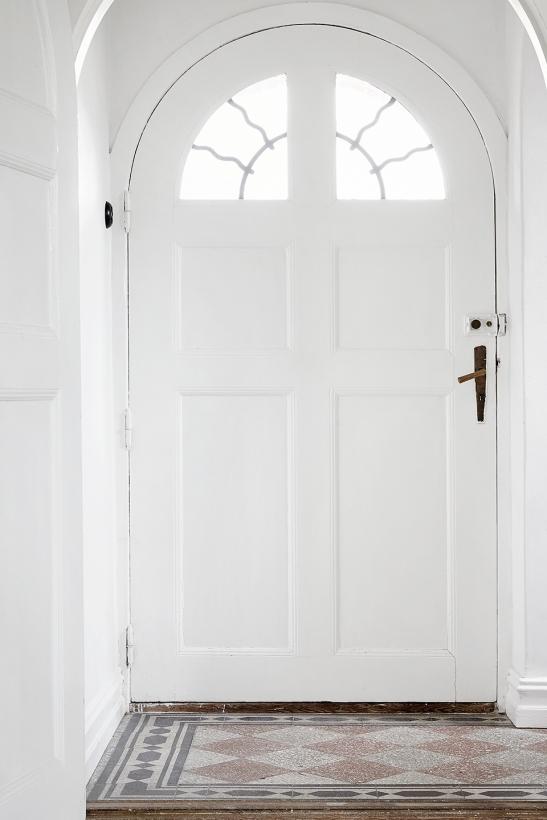Österlen doktorsvilla dörrbåge vit white dörr