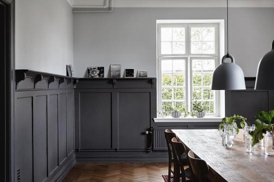 Österlen kök matbord trä granit lampa grå vägg