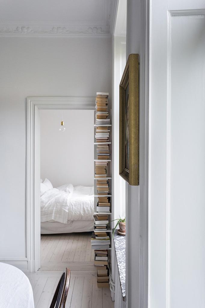 Karlbergsvägen 67 stockholm books white gold brown rum i fil fantastic frank