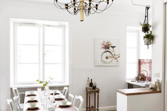 Kungsholmen vardagsrum matbord dukat krona drinkbord