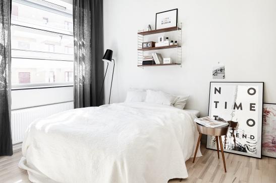 Södermalm sovrum studio konst string fönster industri