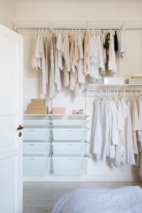 Sofo sovrum garderob vitt beige ordning och reda
