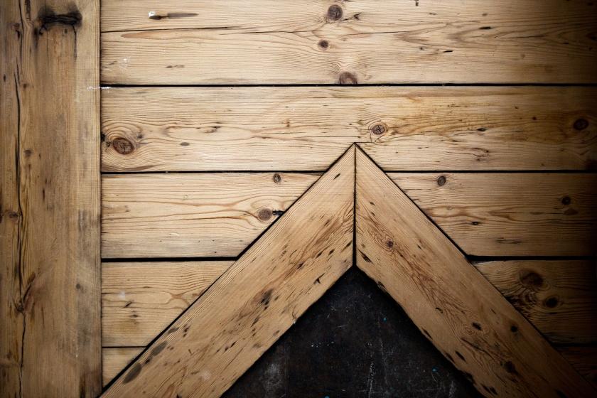 Vasastan vardagsrum trägolv original trämönster