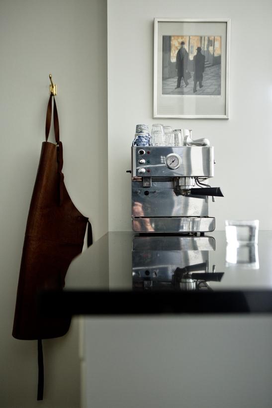 Hammarby sjöstad kök förkläde läder espresso