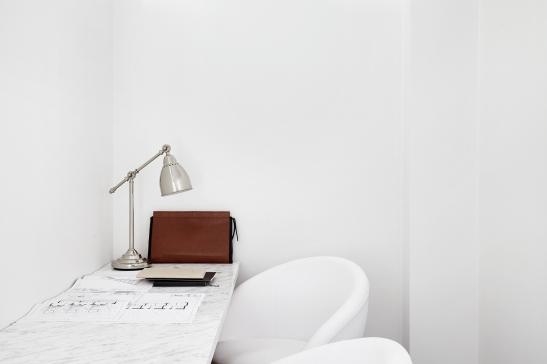 Södermalm white marbel vit marmor vita stolar work arbetsplats