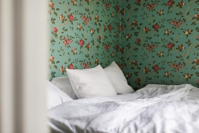 sveavägen 121 stockholm bedroom window wallpaper Fantastic Frank